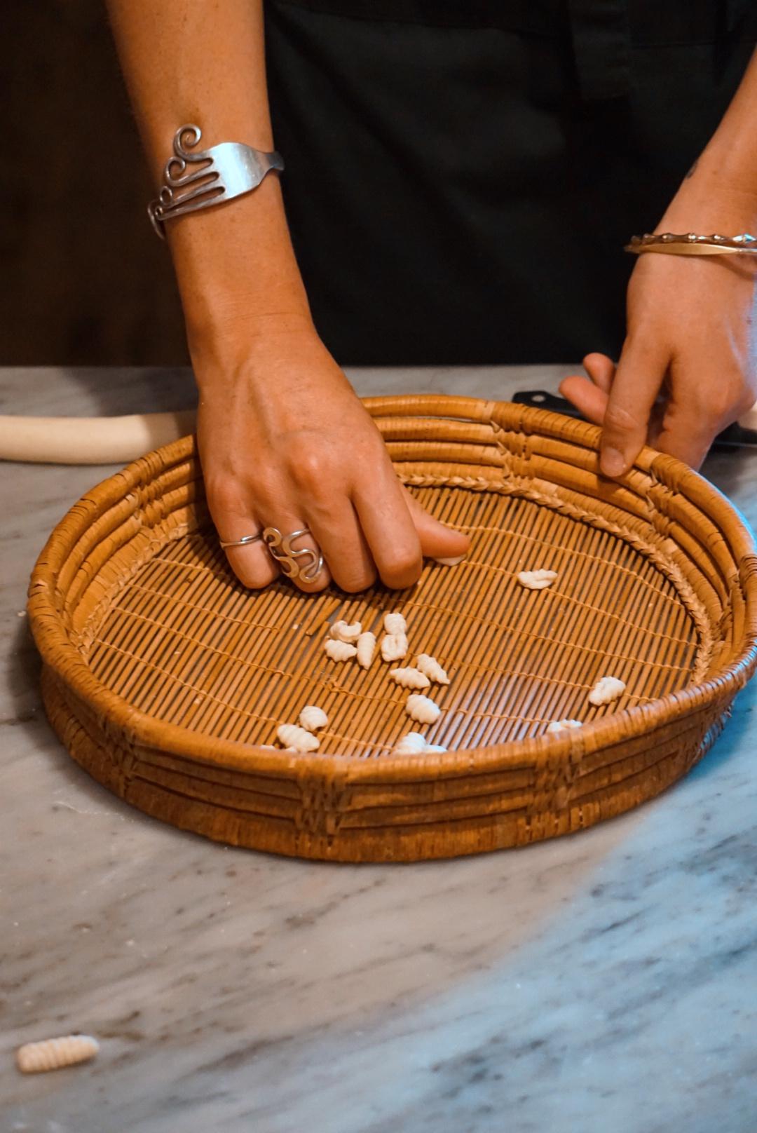 Malloreddus: laboratorio di pasta da Domu Antiga   © Jessica Cani   © Jessica Cani